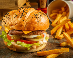 What's Beef Classic Burger Meal